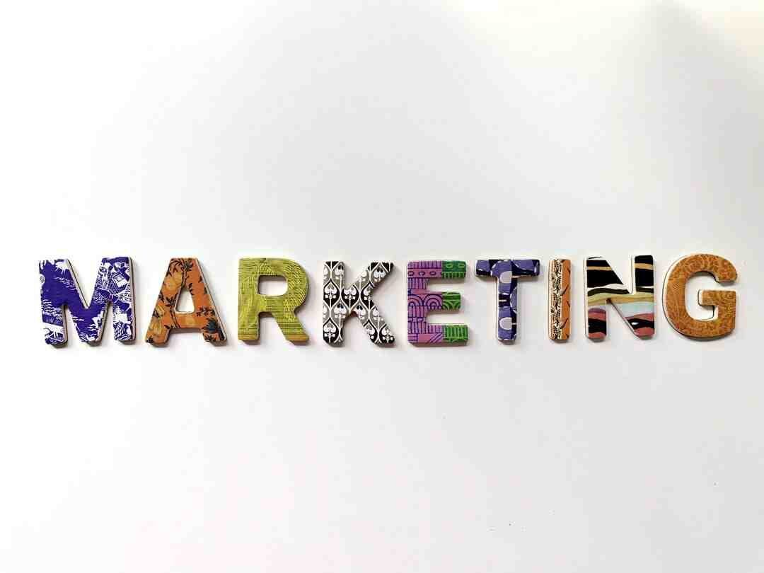 Comment marketing strategy